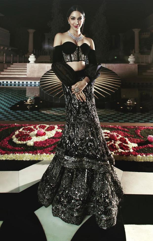 Kiara Advani in Manish Malhotra Couture for Isha Ambani sangeet (1)