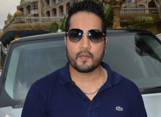 Mika Singh crosses the line again