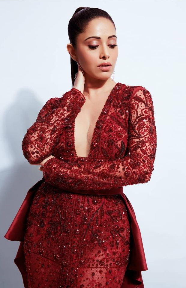 Nushrat Bharucha in Sarah Alabdullah for OMG Collection at Star Screen Awards 2018 (3)