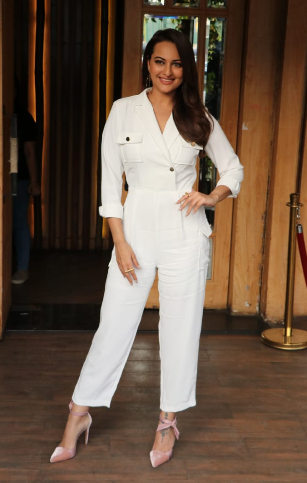 Sonakshi Sinha in Storets jumpsuit for an interview taping (2)