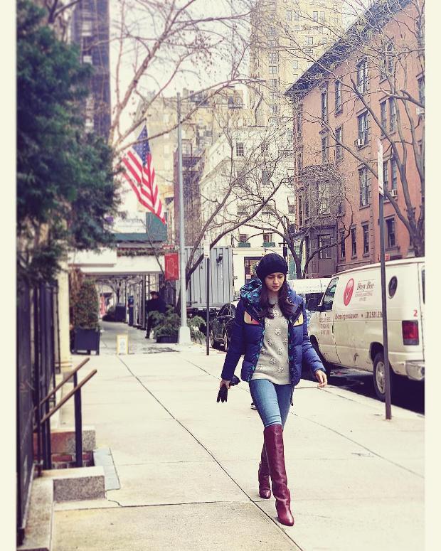 Alia Bhatt in Fendi puffer jacket in NYC (1)