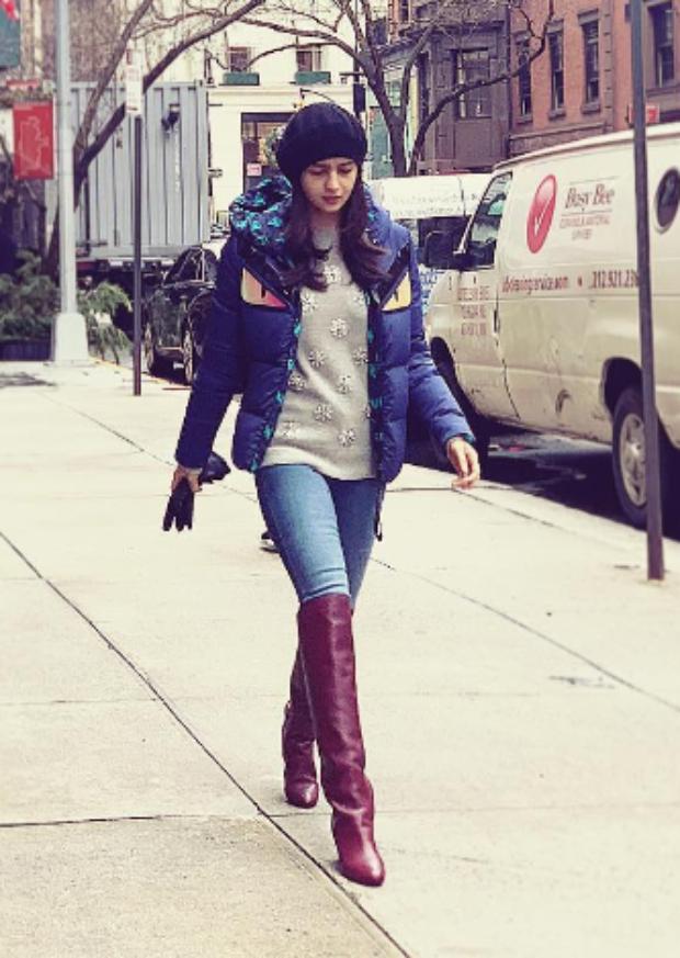 Alia Bhatt in Fendi puffer jacket in NYC (2)