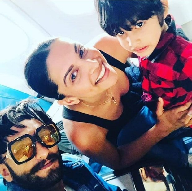 Deepika Padukone and Ranveer Singh click photos with fans in Sri Lanka, receive warm welcome in Mumbai