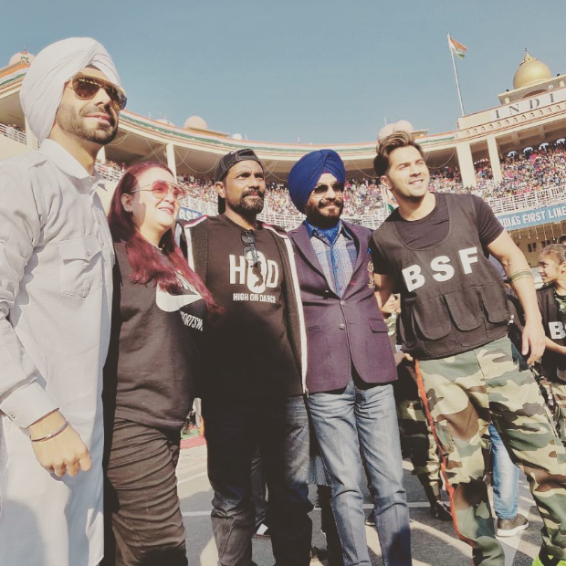 Varun Dhawan delivers a power packed performance at Attari Border on Republic Day 2019 (watch videos)