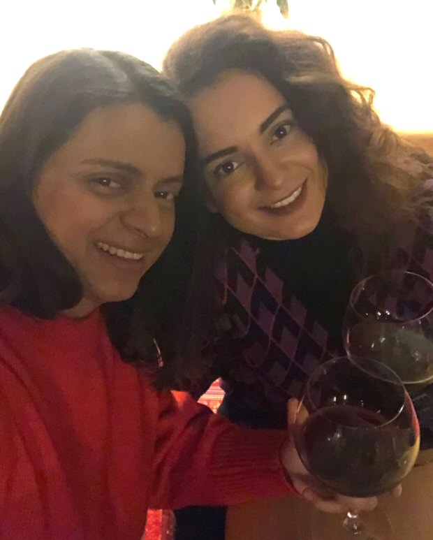 Kangana Ranaut spends New Years in the most homely manner and spends quality time with family!
