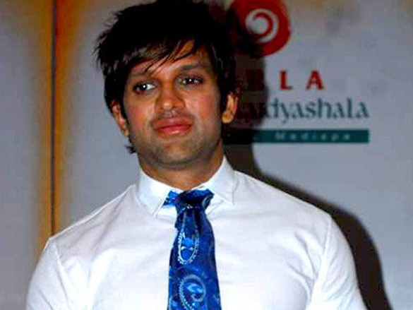 Yash Birla launches India's first mobile Spine Clinic