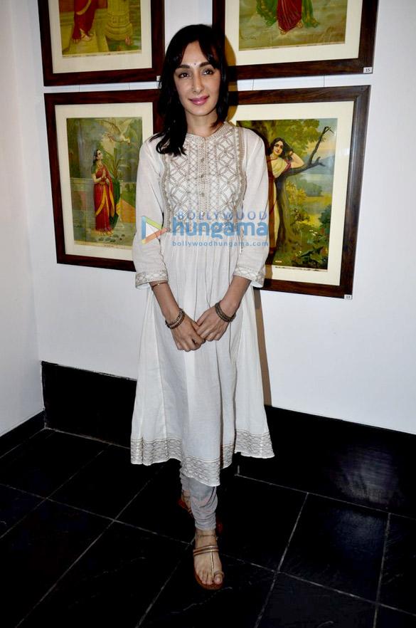 Promotion of 'Rang Rasiya / Colors of Passion' at art exhibition