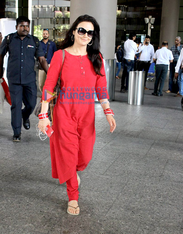 Preity Zinta snapped at the airport returning after her IPL match