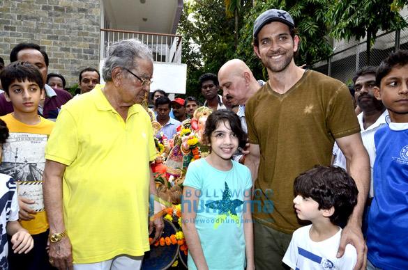 Hrithik Roshan & his family's Ganpati Visarjan