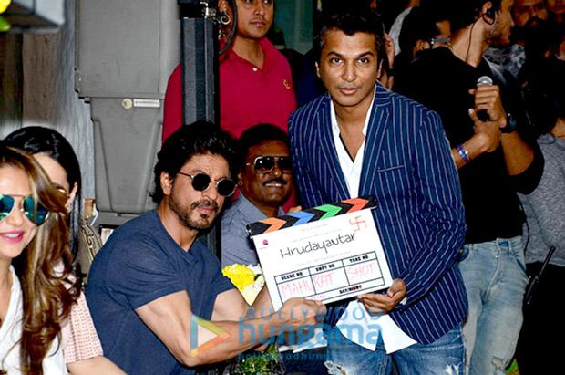 Shah Rukh Khan gives the mahurat clap for Vikram Phadnis' debut Marathi film Hrudayantar
