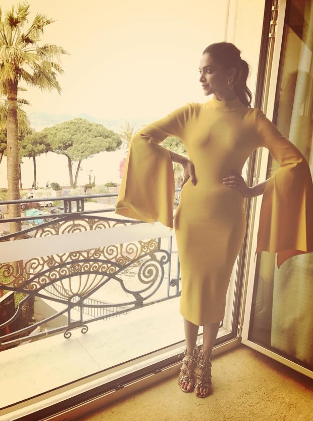 WOW! Deepika Padukone's sunshine look in yellow dress and cute pink dress at Cannes 2017 is refreshing (1)