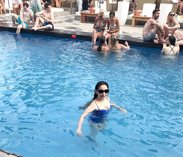 Maanyata Dutt poses in a swimsuit by the pool and it is sexy as hell (2)