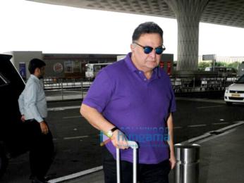 Sidharth Malhotra, Kriti Sanon and Rishi Kapoor snapped at the airport
