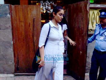 Ileana D'Cruz snapped outside a restaurant in Bandra