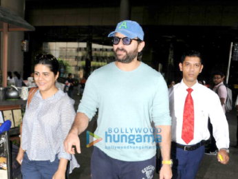 John Abraham, Saif Ali Khan and others snapped at the airport