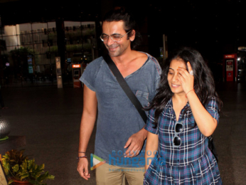 Sunil Grover snapped at the airport