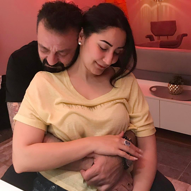 This picture of Sanjay Dutt and Maanayata Dutt will give you serious couple goals