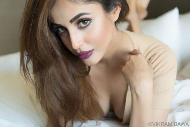 """I am lucky, Bollywood is very receptive towards me"" - Priya Banerjee"