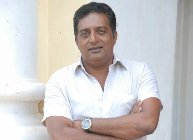 """""""I am not such a fool to give back my national awards"""" – Prakash Raj"""