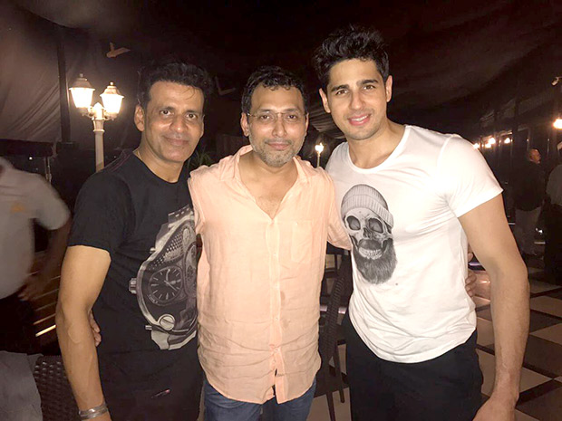 Check out Sidharth Malhotra and Manoj Bajpayee party hard at the Aiyaary wrap-up party (5)