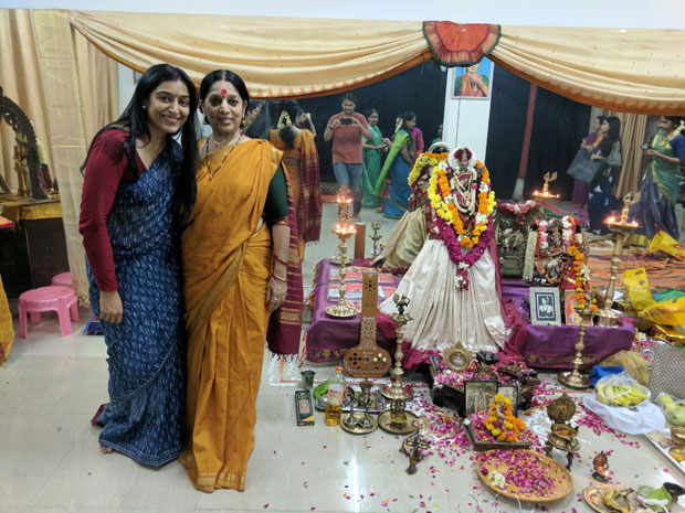 Chef actress Padmapriya Janakiraman pays a surprise visit to her dance guru in Delhi