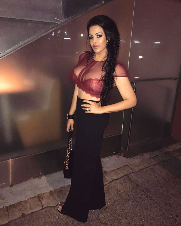 HOT! Daughter of Sanjay Dutt, Trishala sizzles in this outfit as she flaunts her well-toned body