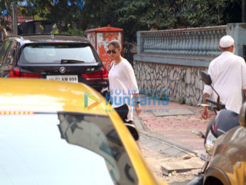 Ileana D'Cruz snapped in Bandra