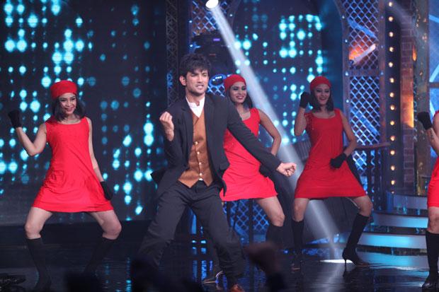 LSingh Rajput dances 'Ruk Jaa O Dil Deewane' with Shah Rukh Khan