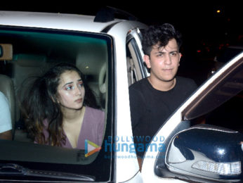 Aarav Bhatia snapped with friends in Bandra