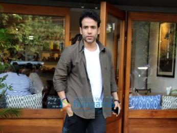 Tusshar Kapoor spotted at Bandra