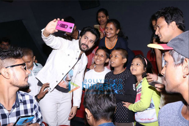 Varun Dhawan holds a special screening for cancer-stricken kids-2