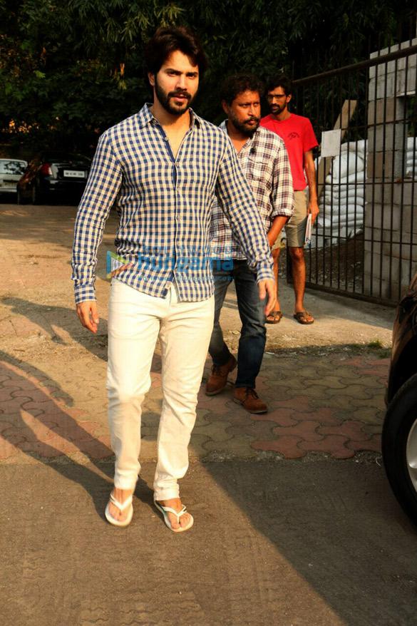 Varun Dhawan spotted at Shoojit Sircar's office