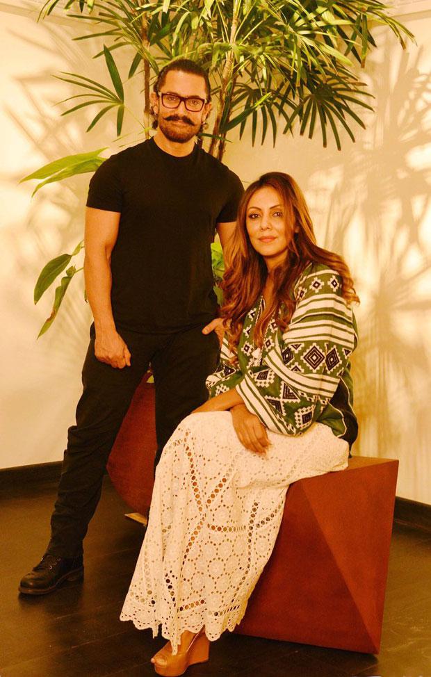 WOW!-Aamir-Khan-visits-Gauri-Khan's-store;-calls-it