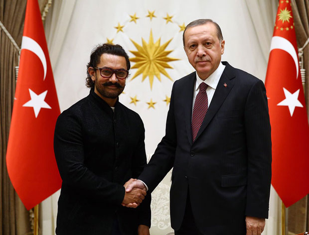 Watch Aamir Khan gets tricked by Turkish ice