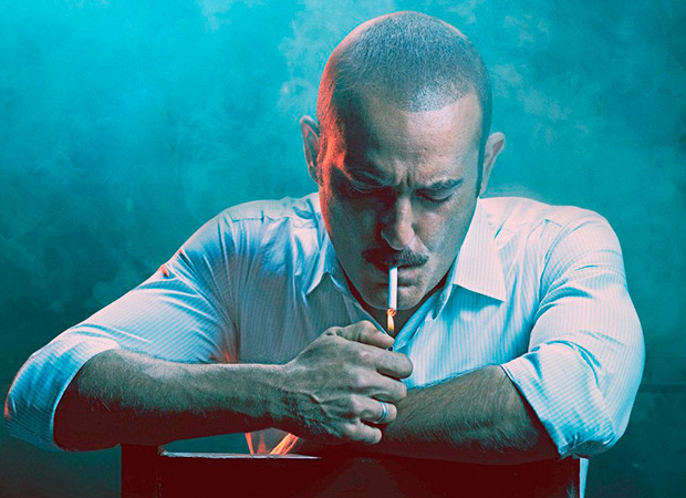 Akshaye Khanna lands in trouble for smoking on Ittefaq posters