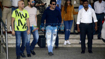 Salman Khan snapped returning from the Dabbang Tour