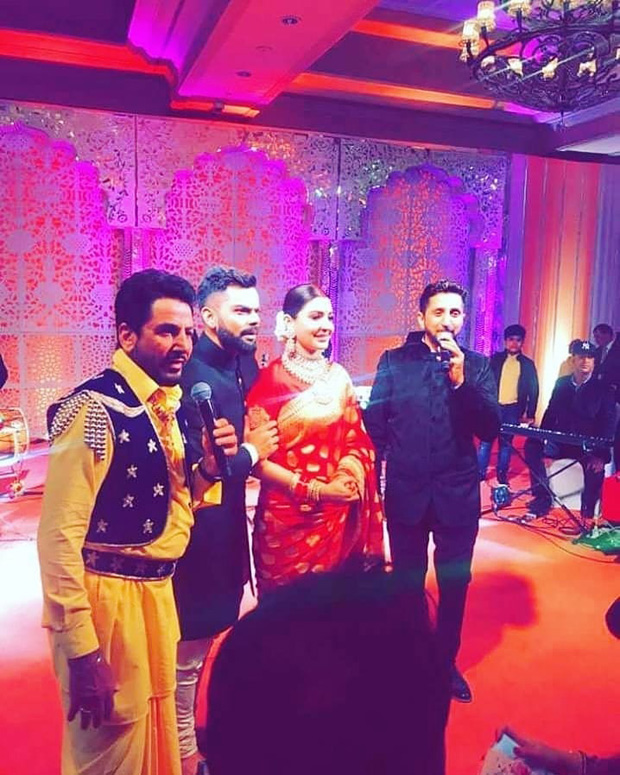 WATCH Anushka Sharma and Virat Kohli groove together on Gurdaas Maan's music at their Delhi reception (2)