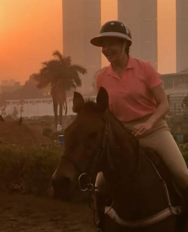 After pole dancing and sketching, Jacqueline Fernandez enjoys horse riding