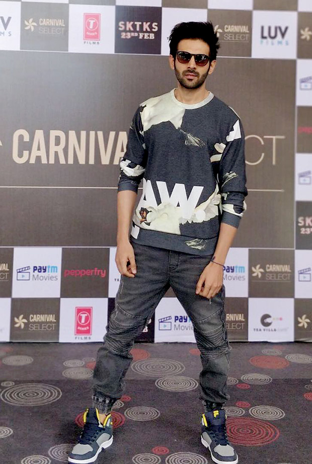 Karthik Aaryan aces athleisure with a dash of quirk for Sonu Ke Titu Ki Sweety promotions