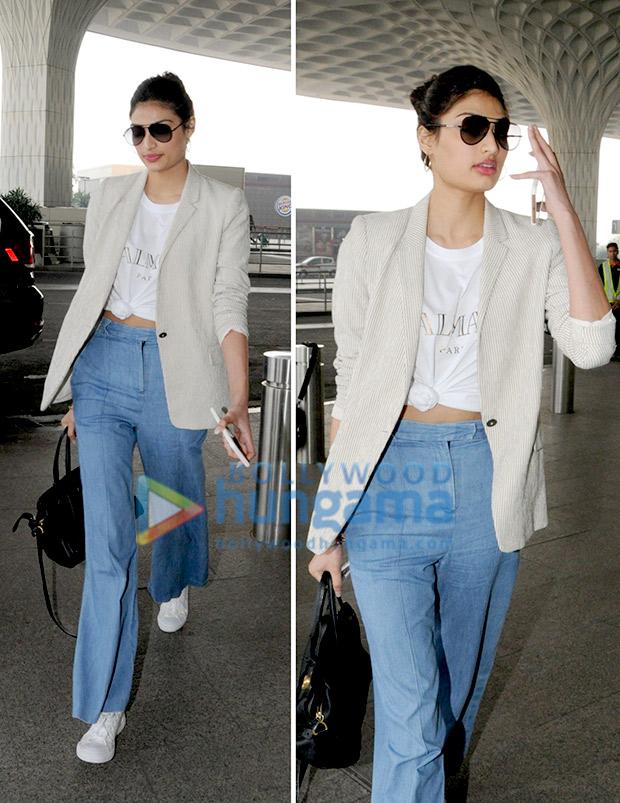 Weekly Airport Style: Athiya Shetty