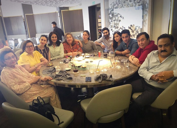 Kareena Kapoor Khan and Karisma Kapoor join their extended family for lunch