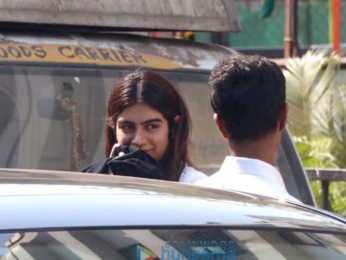 Khushi Kapoor snapped with her boyfriend