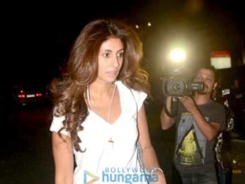 Shweta Bachchan Nanda snapped at Kromakay salon in Juhu