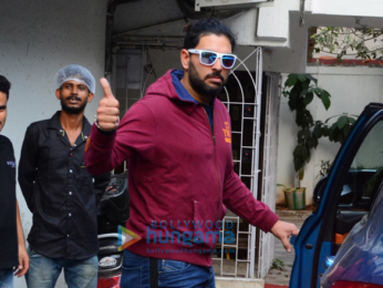 Yuvraj Singh and Angad Bedi spotted at cafe in Bandra