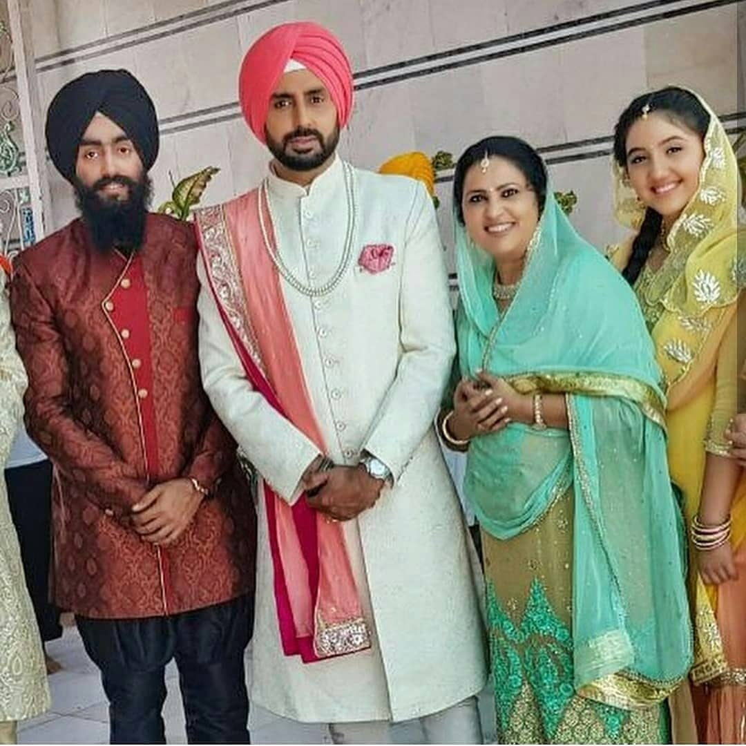 Check Out! Taapsee Pannu becomes Abhishek Bachchan's bride in Manmarziyaan