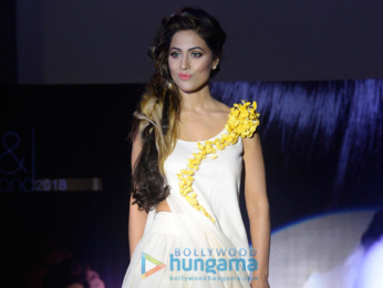 Hina Khan walks the ramp at the Streax event