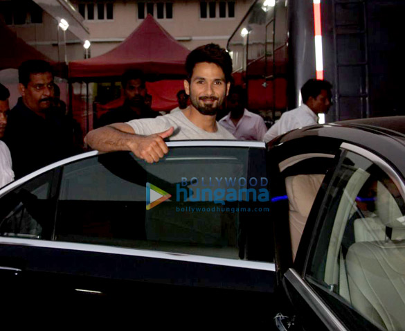 Shahid Kapoor and Shruti Haasan spotted at Mehboob studio shooting for an advertisement