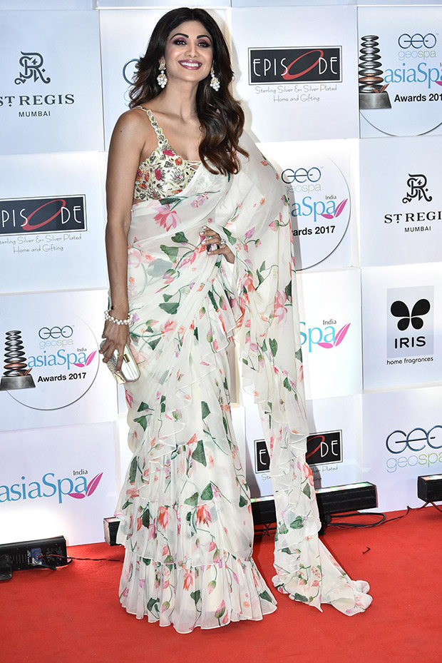Shilpa Shetty, the official saree slayer is back, this time with florals and ruffles all bundled into one!