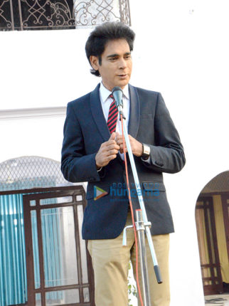 On The Sets Of The Movie 10 Nahi 40