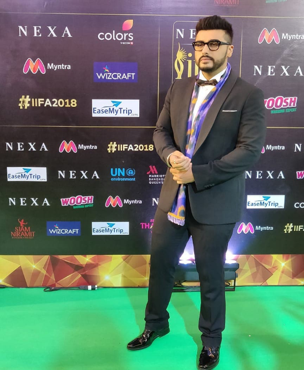 IIFA Awards 2018: Arjun Kapoor suits up, adds a scarf and nerdy frames - looks dapper AF!